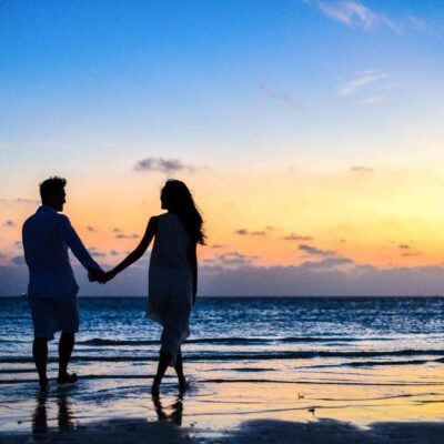 How to Make Your Beach Honeymoon Extra Romantic