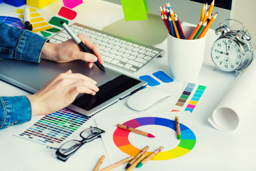 How to win new graphic design clients and keep old ones coming back